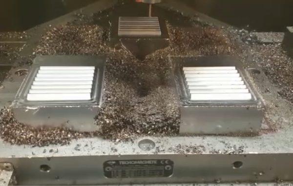 Lavorazione pettini sfiati d'aria